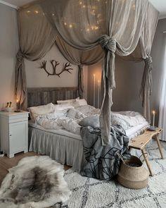 Home decor bedroom Bedroom Decor For Couples, Home Decor Bedroom, Dream Rooms, Dream Bedroom, Pretty Bedroom, Romantic Room, Small Room Bedroom, Cozy Living Rooms, Dream Decor