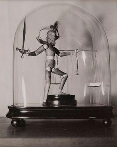 Claude Cahun. Sans titre, 1936. Gelatin silver print; 17.9 x 13cm