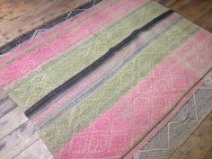 Items similar to Peruvian Frazada, Hand Woven by my Ancestors on Etsy Sheep Rug, Sheep Wool, Weaving Process, Hand Weaving, Feather Pillows, Creative Skills, Colorful Pillows, Wool Pillows, Yarn Colors
