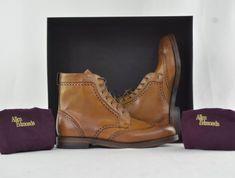 Allen Edmonds Dalton 9 D 43 28 cm Walnut Scarpa Boots Brogue Wingtip UK Allen Edmonds Dalton, Men Dress, Dress Shoes, Good Looking Men, Brogues, How To Look Better, Oxford Shoes, Lace Up, Boots