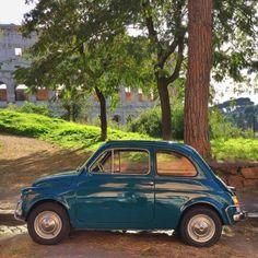 Una bellissima Fiat 500 con dietro il Colosseo ( by elizabeth minchilli on Tumblr) http://ift.tt/1lxIEna