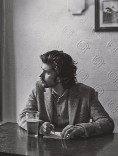 tea-faune:  Ben Whishaw (x)   My, but doesn't he look like the tortured poet.