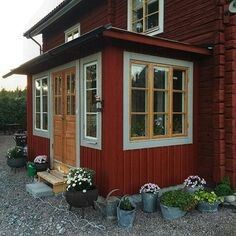 Red Cottage, Cottage Farmhouse, Cottage Homes, Red Houses, Swedish House, Architect House, Exterior House Colors, Wooden House, House Painting