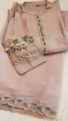 Kurti Sleeves Design, Kurta Neck Design, Sleeves Designs For Dresses, Dress Neck Designs, Fancy Dress Design, Bridal Dress Design, Stylish Dress Designs, Punjabi Suits Designer Boutique, Indian Designer Outfits