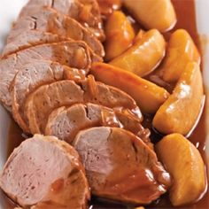 Médaillons+de+porc+aux+pommes+caramélisées+-+Soupers+de+semaine+-+Recettes+5-15+-+Recettes+express+5/15+-+Pratico+Pratique Pot Roast, Cooking Tips, Sweet Potato, Food To Make, Sausage, Pork, Healthy Recipes, Meals, Vegetables