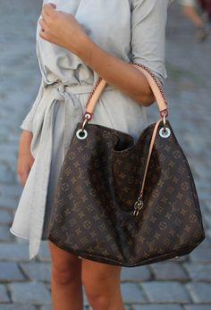 Buy Louis Louis Vuitton Handbags #Louis #Vuitton #Handbags at Online Outlet.