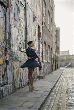 Ballerina Project - Francesca Hayward - East London The Ballerina. Dance Photography Poses, Amazing Photography, Street Photography, Portrait Photography, Landscape Photography, Street Ballet, Street Dance, Francesca Hayward, Ballet Images