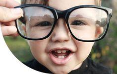 edc8ea2a84607 Fique atento aos sinais para saber quando seu filho enxerga mal e precisa  usar óculos. Clique na imagem para ler a matéria.