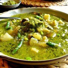 Plant-based Leek & Cauliflower soup with Broccoli Pesto (vegan + grain, gluten & sugar-free) - so nourishing & tasty - Opti Cook Leek And Cauliflower Soup, Leek Soup, Broccoli Pesto, Vegetarian Recipes, Cooking Recipes, Low Carb Veggies, Bariatric Recipes, Vegan Dishes, Vegan Soups