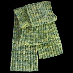Gil scarf pattern  http://www.ravelry.com/patterns/library/gil#