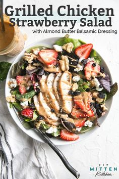 A simple & healthy Grilled Chicken Strawberry Salad to ring in the end of summer that is both gluten-free and paleo friendly! Summer Salad Recipes, Spring Recipes, Healthy Salad Recipes, Summer Salads, Whole Food Recipes, Dinner Recipes, Paleo Recipes, Free Recipes, Grilled Chicken Salad