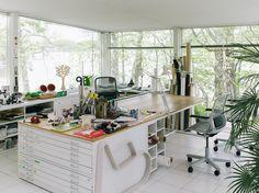 21 Ideas for fashion design studio organization Art Studio Room, Art Studio At Home, Garage Art Studio, Studio Table, Design Studio Office, Art Studio Design, Design Art, Creative Arts Studio, Studio Ideas