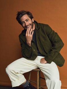 Jake Gyllenhaal photographed by Shayne Laverdière for GQ France Photography Poses For Men, Portrait Photography, Men Photoshoot, Marvel Actors, Male Poses, Beautiful Boys, Cute Guys, Models, Celebrities