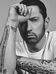 "Elton John interviews Eminem for ""Interview Magazine"" 2017 {read the interview here} The Real Slim Shady, Rapper, Eminem Tattoo, Look Hip Hop, Illuminati, Eminem Wallpapers, Bendy Y Boris, Eminem Rap, Eminem Photos"