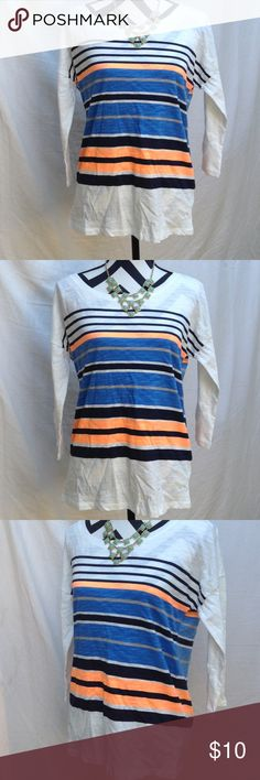 Old navy 3/4 sleeve🌻 Excellent condition, never used Old Navy Tops Tees - Long Sleeve