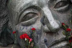 Haunting sculpture