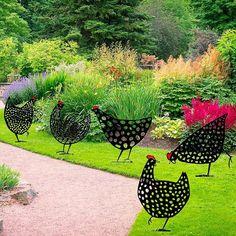Garden Crafts, Garden Projects, Back Gardens, Outdoor Gardens, Metal Chicken, Cute Chickens, Chickens Backyard, Outdoor Art, Outdoor Living