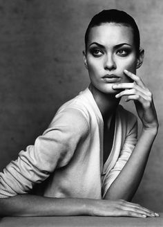 """laviearose: """"shalom harlow photographed by irving penn vogue 1996 """""""