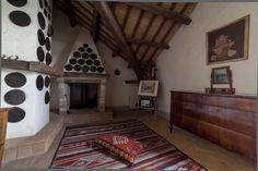 Lounge. Depandance, Casa Telesforo, 8 people #historicresidence #villacentofinestre #destinazionemarche   www.villacentofinestre.com