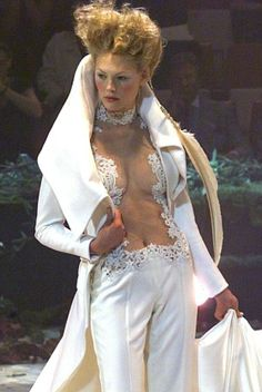 GIVENCHY HAUTE COUTURE F/W 1998 BY ALEXANDER MCQUEEN