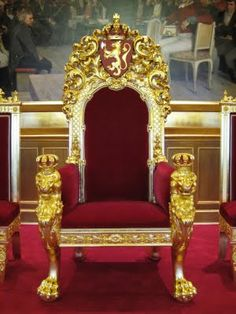 Gold kings chair - Thrones King And Queen On Pinterest Royals Throne Chair