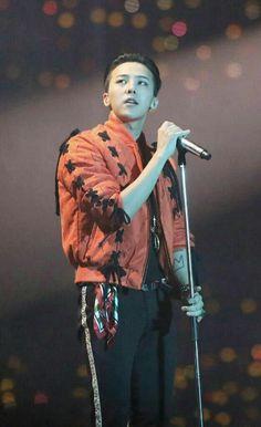 Ji Yong is Sexy as Hell Daesung, Vip Bigbang, Jung Yong Hwa, Ji Yong, Big Bang Top, Gu Family Books, Top Choi Seung Hyun, Gd And Top, Bigbang G Dragon