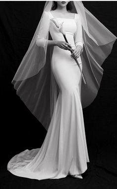 Rental Wedding Dresses, Formal Dresses For Weddings, Princess Wedding Dresses, Bridal Wedding Dresses, Wedding Dress Styles, Intimate Weddings, Minimal Wedding Dress, Elegant Wedding Gowns, Wedding Dress Necklines