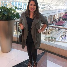 Look do dia relax para passear no shopping! Tênis, legging e casaco militar!  #lookdodia #lookdavidareal #lookdadaphne #ootd #look #fashion #moda #style #fashionblogger #fashionista #blogger #blogueira #saturday #shopping #relax #green #military #militar #verde #lifeasdaphne