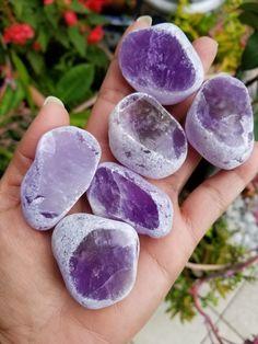 Minerals And Gemstones, Rocks And Minerals, Crystal Aesthetic, Rose Quartz Bracelet, Crystal Fashion, Mineral Stone, Amethyst Stone, Amethyst Crystal, Healing Bracelets