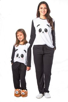 """Mommy and I have panda jammies. Mom And Baby Outfits, Mother Daughter Outfits, Lazy Day Outfits, Family Outfits, Fashion Kids, Pyjamas, Cute Panda Baby, Pijamas Onesie, Panda Outfit"