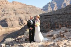 Maverick's Grand Canyon weddings are a destination wedding like no other. Soar over enchanting views from a private helicopter and tie the knot at Mother Nature's most romantic destinations. Browse our wedding packages and book your wedding journey today, with Maverick Helicopter®.
