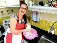 http://www.receitaesperta.com.br/2014/08/pao-de-queijo-mineiro-com-video.html