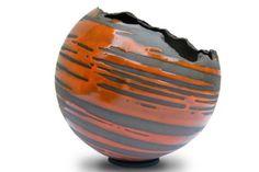 Amandine Foal, ceramics, utility, decoration and garden pottery – La Bouilladisse (Bouches du Rhône) - Raku Pottery, Painted Glass Bottles, Paper Vase, Vase Crafts, Sculptures Céramiques, Rosa Rose, Black Vase, Art Installation, Vases Decor