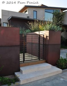 Steel walls and soft grasses in travel-influenced Mirador Garden | Digging