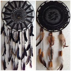 A Vintage Dream dreamcatcher DIY: find vintage doilies at a thrift store. Black Dream Catcher, Craft Projects, Projects To Try, Diy And Crafts, Arts And Crafts, Mobiles, Medicine Wheel, Diy Art, Wind Chimes
