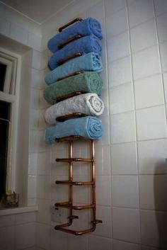 DIY: Amazing Towel Holders ... Copper Pipe Towel Rail by SEBWhovian