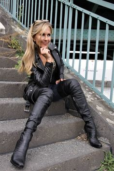 High Leather Boots, Leather Pants, Leather Fashion, Fashion Boots, Women's Fashion, Rodeo Outfits, Thigh High Boots Heels, Leggings, Leather Dresses