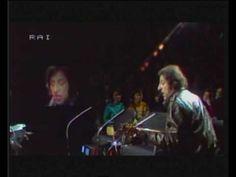 ▶ GIORGIO GABER - LE ELEZIONI (LIVE) - YouTube