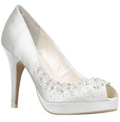 sapatos-brancos-noivas-05