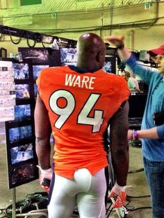 So good to see Demarcus Ware in a Broncos uniform