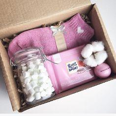 346 отметок «Нравится», 96 комментариев — New❤️Подарки в Барнауле! (@pin_up_style) в Instagram: «Нежно-розовый подарочный бокс -носочки -баночка для маршмэллоу(наполненная) -круглый бальзам для…»