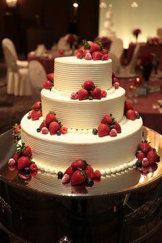 Hochzeitszubehör A wedding cake full of dreams! A wedding cake full of dreams! See More- # Wedding C Amazing Wedding Cakes, Elegant Wedding Cakes, Wedding Cake Designs, Wedding Cake Toppers, Amazing Cakes, Wedding Ideas, Creative Cake Decorating, Creative Cakes, Pretty Cakes