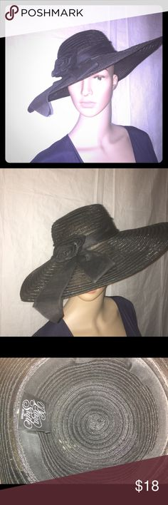 Vintage ladies sun hat. Black with rosette bow. Vintage Plaza Suite by Betmar ladies sun hat with rosette bow. Excellent condition. Vintage Accessories Hats