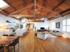 Hello! Today I am sharing this spectacular warehouse conversion which is currently for sale in Manton Lane, Melbourne. I am a sucker for a warehouse or a weatherboard, so I had to choose this one to show you today. The open plan and raked ceilings are a treat! The inspired architectural conversion of a quadruple brick former wool-store has resulted in a breathtaking, unique boutique residence that combines rustic 1880's character with the latest contemporary designer style and luxury. In a…