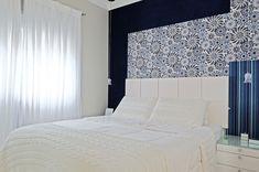 Azul no branco. Veja: http://www.casadevalentina.com.br/projetos/detalhes/azul-no-branco-684 #decor #decoracao #interior #design #casa #home #house #idea #ideia #detalhes #details #openhouse #style #estilo #casadevalentina #blue #azul #white #branco #bedroom #quarto
