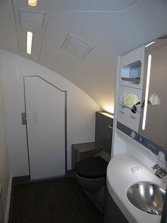 British Airways Club World toilet - Upper Deck | Flickr - Photo Sharing!