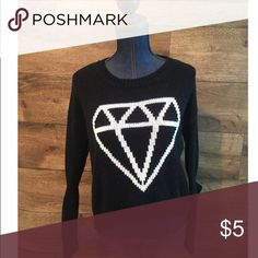 Forever 21 diamond sweater 🎉STEAL🎉 Black and white diamond knitted high low sweater.  Slight pilling. Forever 21 Sweaters Crew & Scoop Necks