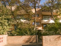 FOR SALE 1/96 Crown Road Queenscliff 2 BED 1 BATH 1 CAR Auction 8th August 2015 Contact us at LJ Hooker Freshwater 02 9939 5400 http://freshwater.ljhooker.com.au/X7FGMF/1_96-crown-road-queenscliff