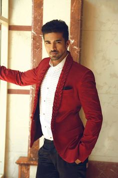 Desi Men - Saqib Saleem Saqib Saleem, Yash Raj Films, Kurta Men, Dress Man, Bollywood Actors, Film Industry, Well Dressed, Mens Suits, Men's Style
