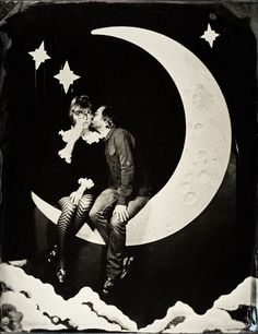 Vintage photo booth. I kind of like this because my parent's first date was to go see the movie Paper Moon.